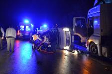 Çanakkale'de işçilerini taşıyan minibüse tır çarptı! Ölü ve yaralılar var