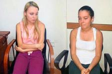 Annelerini bıçaklayan iki kız kardeş için flaş karar