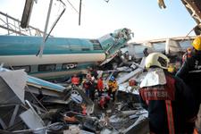 Hızlı tren kazası ölülerin kimlikleri isimleri belli oldu mu?