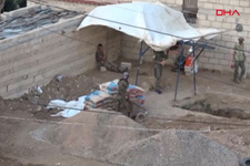 PKK/YPG'li teröristler Rasulayn'da hendek kazıyor