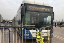 Sincan Cezaevi önünde dehşet! Otobüs gazi ve avutların arasına daldı