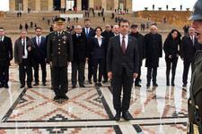 CHP'nin İBB adayı İmamoğlu'ndan Anıtkabir ziyareti