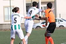 Futbolcu hakeme tokat atınca başkan takımı ligden çekti
