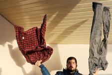 Sivas'ta kapalı alanda asılan elbiseler de dondu