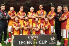 Galatasaray veteran takımı 'Efsaneler Kupası'nı kazandı
