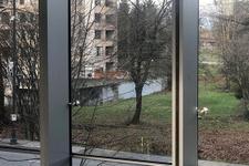 Bu fotoğraf sosyal medyayı ikiye böldü! Gölet mi, duvar mı?