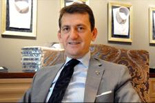 Beşiktaş mini mini bir kuş şarkısını çalan görevliyi kovdu