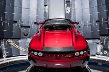 Elon Musk uzaya Tesla gönderiyor!
