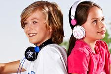 Çocuklar günde 1 saatten fazla kulaklık kullanmamalı
