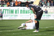 Adana Demirsporlu futbolcunun ayağı kırıldı