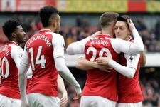 Mesut Özil rekor kırdı Arsenal kazandı