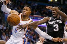 Westbrook'un triple-double'ı bu kez Raptors'ı dağıttı