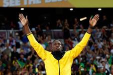 Usain Bolt formayı giydi golünü attı