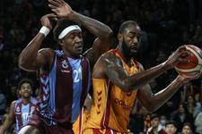 Galatasaray Trabzonspor'a geçit vermedi