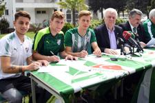 Bursaspor'da 3 genç futbolcu profesyonel oldu