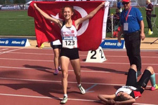 Milli sporcu Muhsine Gezer dünya şampiyonu oldu