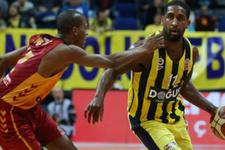 Fenerbahçe Galatasaray'ı farklı yıktı