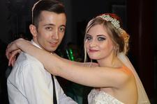 Türk garsona aşık olup evlendi!