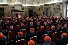 Vatikan şokta! Emekli eskort 40 gay rahibi ifşa etti