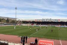 Elazığ'dan 8 gol yiyen Manisa küme düştü