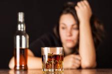 Bilim insanları açıkladı: Alkol kullanımı ömrü kısaltıyor!
