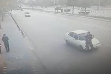 Akılalmaz olay: Vali'ye selam veren polise otomobil çarptı!