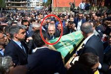 Kılıçdaroğlu'nun acı kaybı! Tabutu böyle omuzladı
