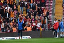 Burak Yılmaz ile Galatasaray taraftarları arasında gerginlik