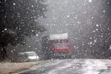 İstanbul'un hemen yanı başı! Şu anda kar yağıyor...