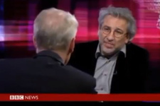 BBC spikerinden Can Dündar'a tarihi kapak