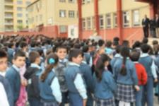 Öğretmenin erkek öğrenciye toka taktığı iddiası olay yarattı