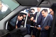 Bakan Tüfenkci'nin incelemesi sırasında kaçak sigara ele geçirildi
