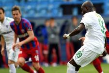 Bursaspor'da Sow gollerine döndü