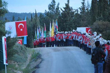 57. Alaya Saygı Yürüyüşü yapıldı! Binler dedelerine yürüdü