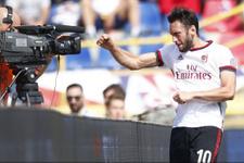 Milan'a 3 puanı Hakan Çalhanoğlu getirdi