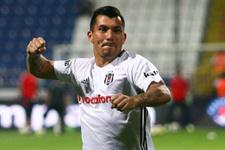 Beşiktaşlı Gary Medel sosyal medyayı salladı