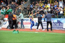 Maçta olaylar çıktı 7 kişi yaralandı