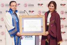 """İstanbul Gedik Üniversitesi ilk """"Fahri Doktora"""" unvanını verdi"""