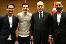 Cumhurbaşkanı Erdoğan Türk futbolcuları ağırladı