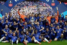Chelsea kupayı 8. kez müzesine götürdü