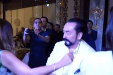 Adnan Oktar'ın sıra gecesindeki dansı olay oldu!
