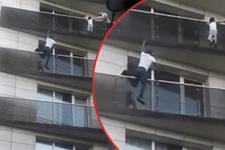 Balkondan sarkan çocuğu kurtardı: Günün kahramanı oldu!