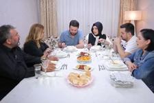 Yemekteyiz yeni yarışmacıları Ayşegül kimdir Oktay  ve Gülşen nereli?