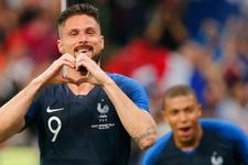 Fransa İrlanda'yı 2 golle geçti