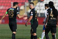 Akhisarspor ligde kalmayı garantilemek istiyor