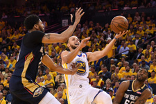 Rockets ve Warriors konferans finalinde