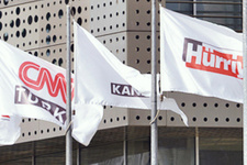 Kanal D ve CNN Türk'ten 13 isim gönderildi bombalar patlıyor!