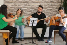 Demirtaş'ın bestesini eşi ve kızları çaldı söyledi