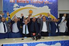 Saadet Partisi'nden AK Parti'ye toplu katılım