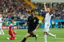 Hırvatis'tan 3'te 3 yaptı! İzlanda veda etti